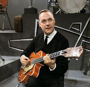 eddy-christiani-met-gitaar